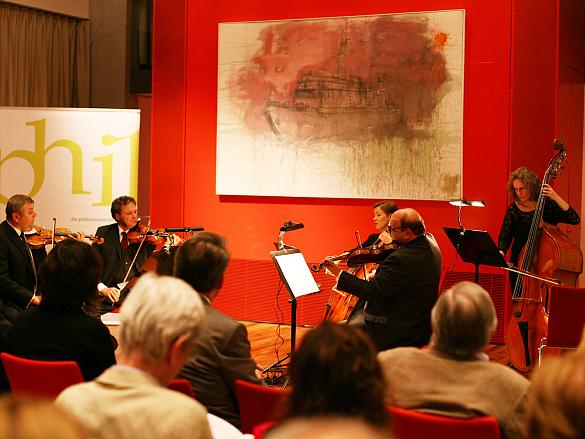 Bremer Philharmoniker spielen für die Flüchtlingshilfe in der Landesvertretung Bremen