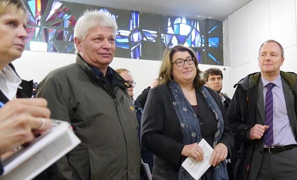 Sonja Glasmeyer, Georg Schulte, Senatorin Anja Stahmann und Martin Böckmann beantworten Fragen der Pressevertreterinnen und -vertreter
