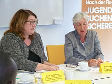 Anja Stahmann und PiB-Geschäftsführerin Monika Krumbholz (re.)