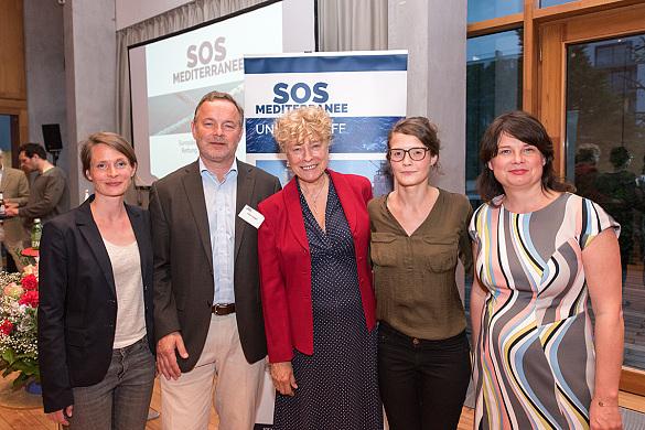 (v.l.) Verena Papke (Project Management SOS Mediterranee); Klaus Vogel, Gesine Schwan, Caterina Lobenstein und Ulrike Hiller, jpg, 180.3KB