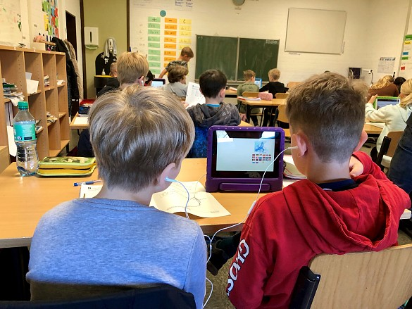 Die 5c der Oberschule Habenhausen präsentierte ihre Arbeit mit Tablets. , jpg, 88.4KB