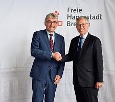 Antrittsbesuch im Rathaus: Bürgermeister Sieling begrüßt Geschäftsführer Joachim Ossmann